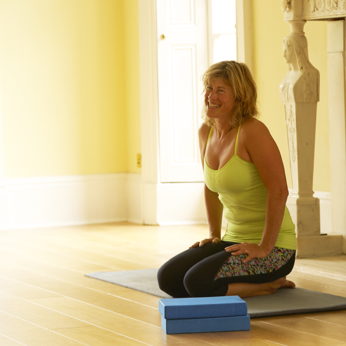 <br />Core Yoga